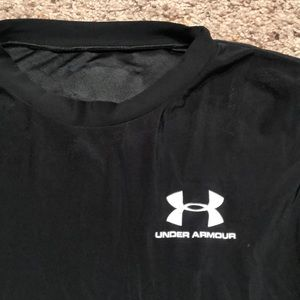 Under Armour Tops - Under Armour dry fitted tee
